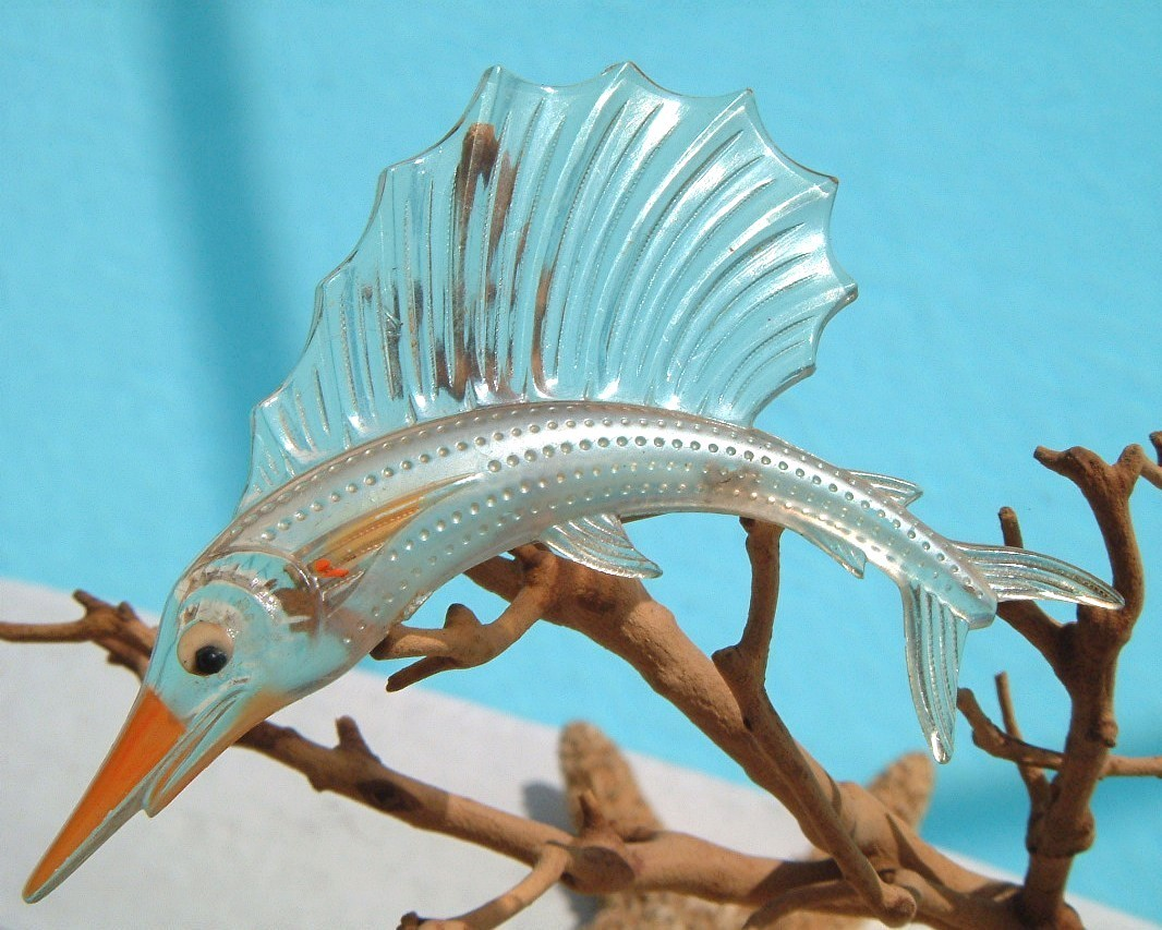 Vintage sailfish brooch pin thermoset lucite fish figural for Piece of fish