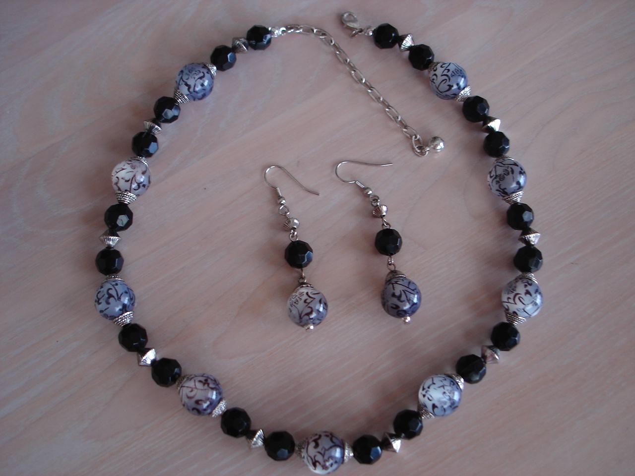 Asian Flair Black Bead Necklace & Matching Pierced Earrings Bonanza