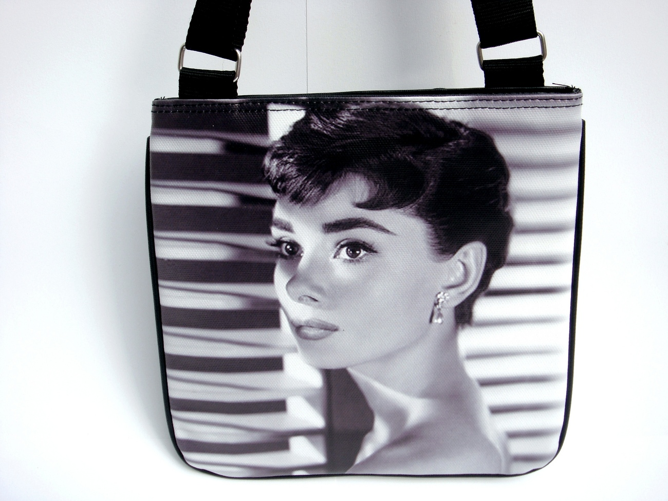 Audrey Hepburn Classic Fashion Messenger Bag Purse Bonanza