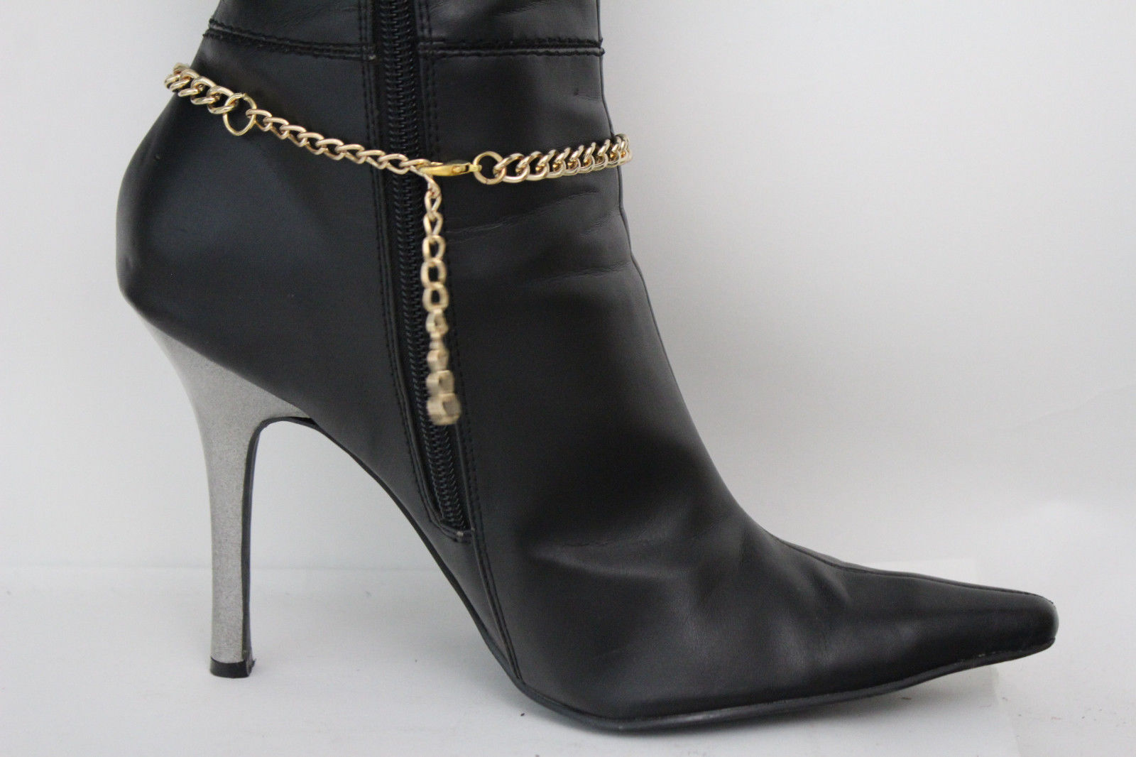 horse shoe women Iron as a protective charm some writers have maintained that the luck associated with the horse-shoe is due chiefly to the metal, irrespective of its shape,.