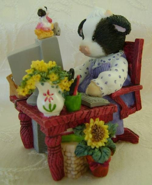 "Mary's Moo Moos ""Moo Got Mail"" Figurine"