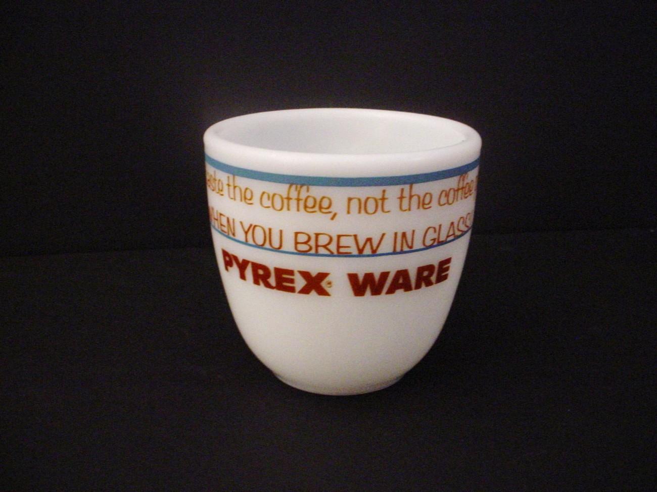 Pyrex_cup_b