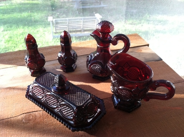 VINTAGE AVON RUBY RED THE 1876 CAPE COD COLLECTION 5 PIECE SET