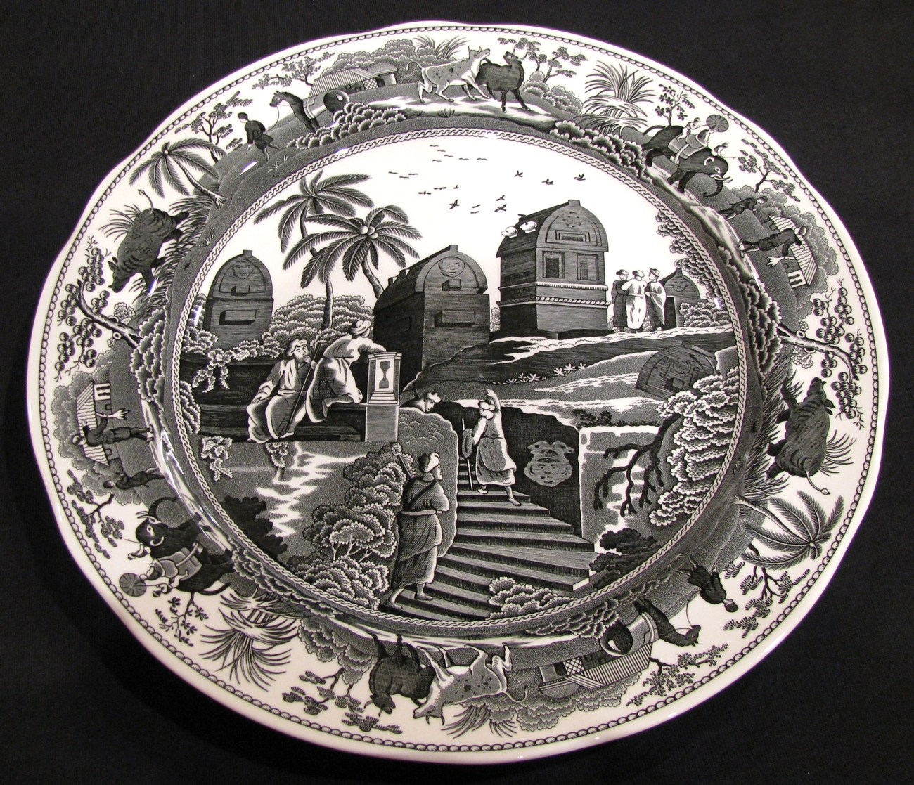 Spode Archive Collection Plate Caramanian Traditions Series Black and White