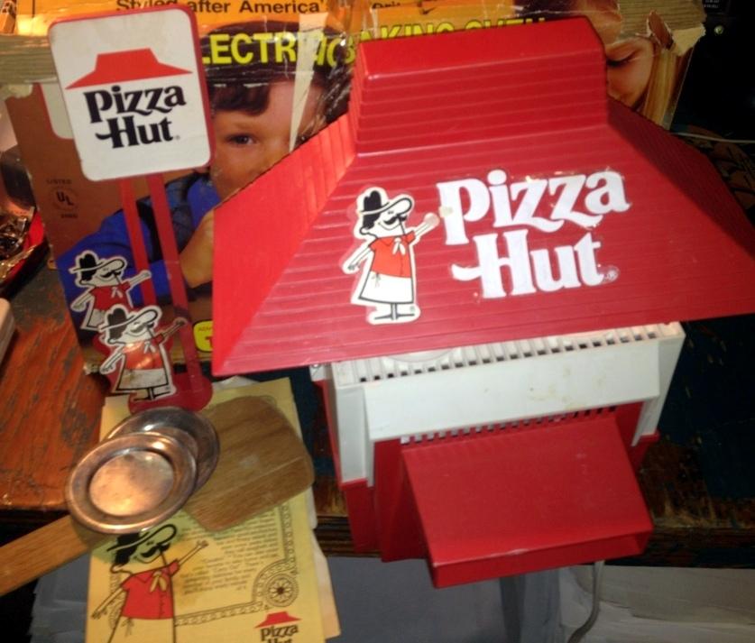 Pizza Hut Toys : F ae cf e a b c bf df