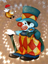 654436_clown_with_bee_thumb200