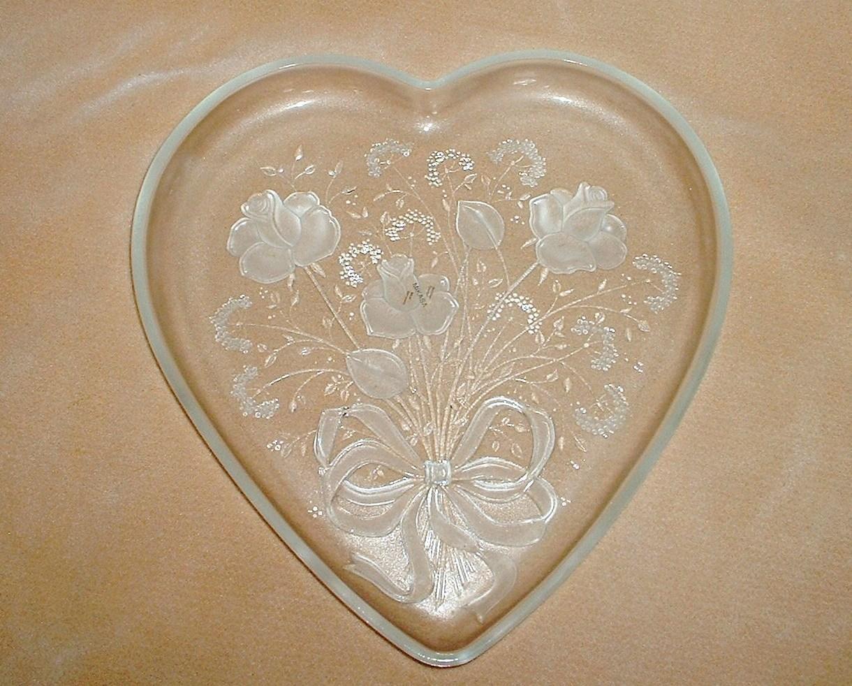 Miksa_glass_heart_platter