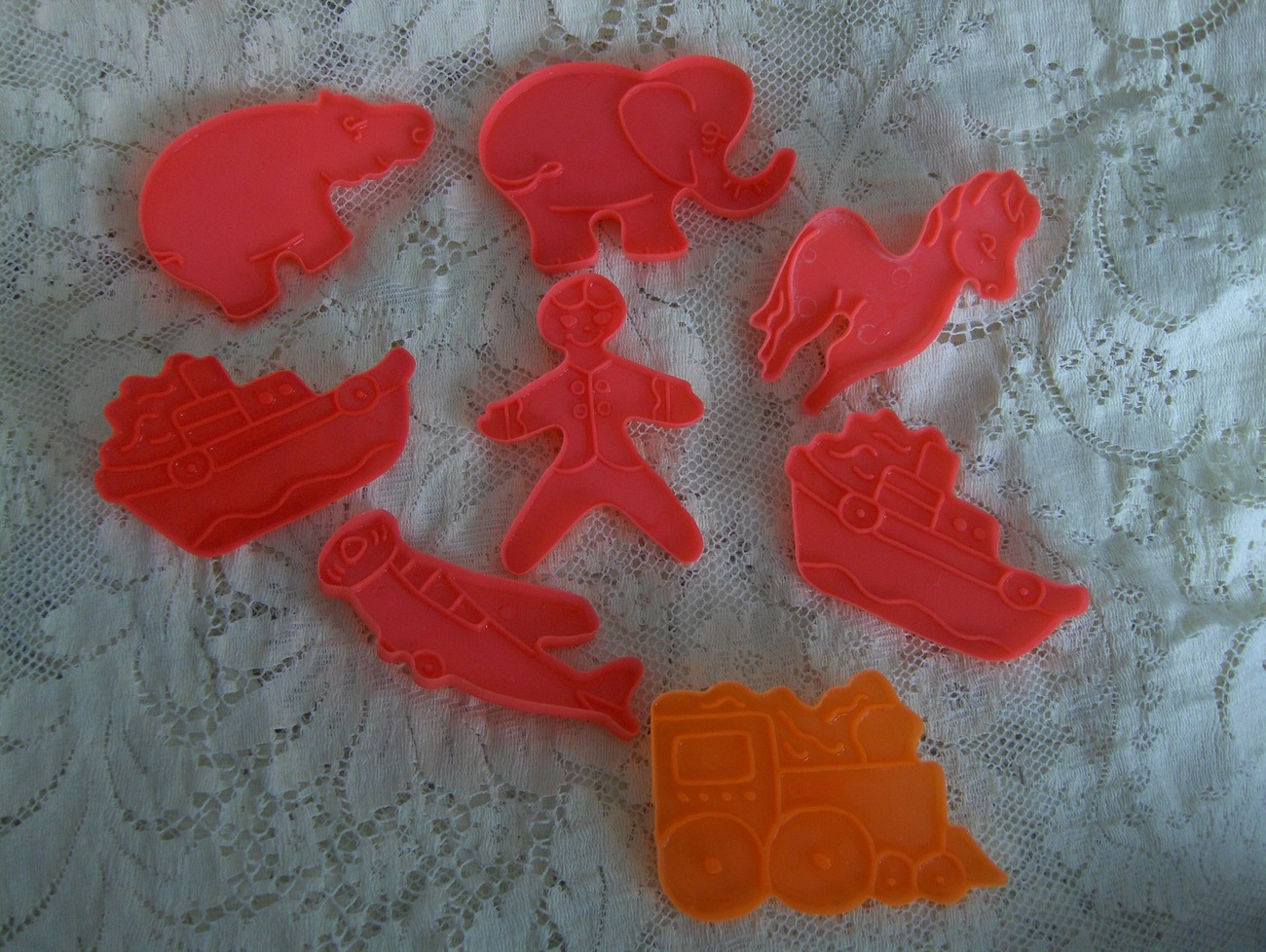 Vintage 70s Childrens Themed Cookie Cutters/Toast Stamps 8 Pcs Classic