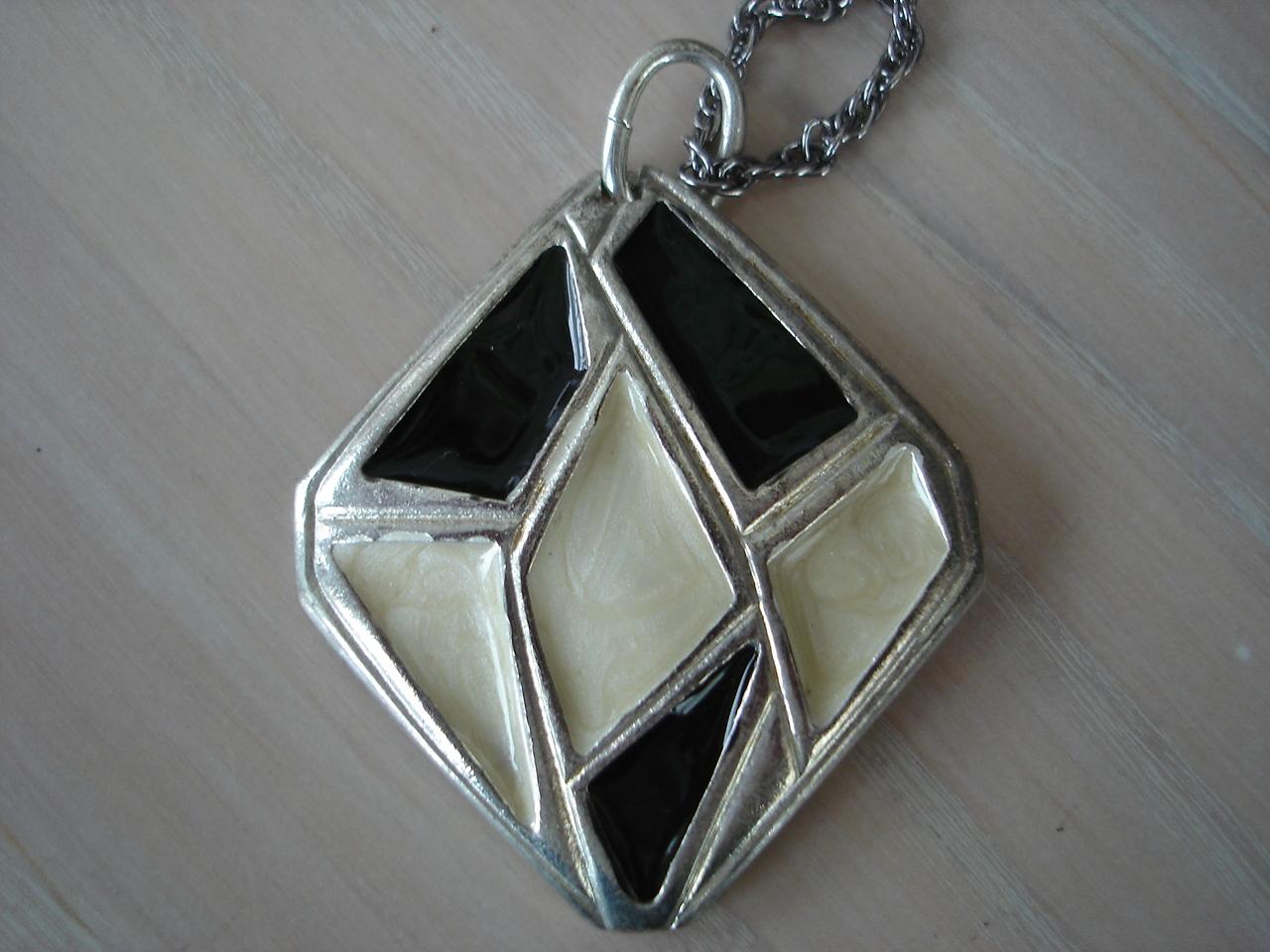 Vintage Black White Enameled Silvertone Pendant Necklace, Ch Bonanza