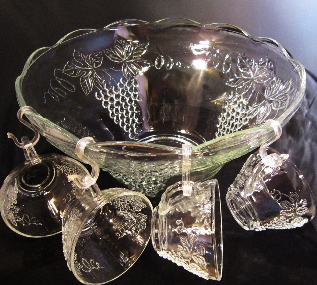 Anchor_hocking_punch_bowl__cups__ladle_08