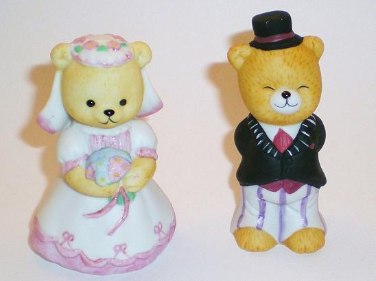 Bronson Figurine Bears Bride & Groom by Katharine Stevenson