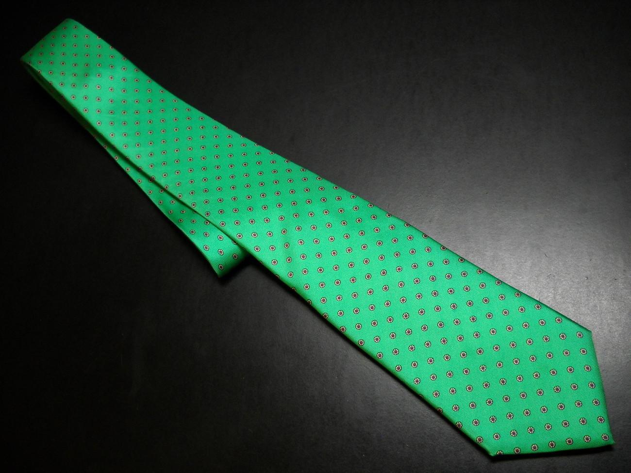 Chaps Ralph Lauren Neck Tie Bright Green with Repeating Small Blooms Chaps Ralph Lauren