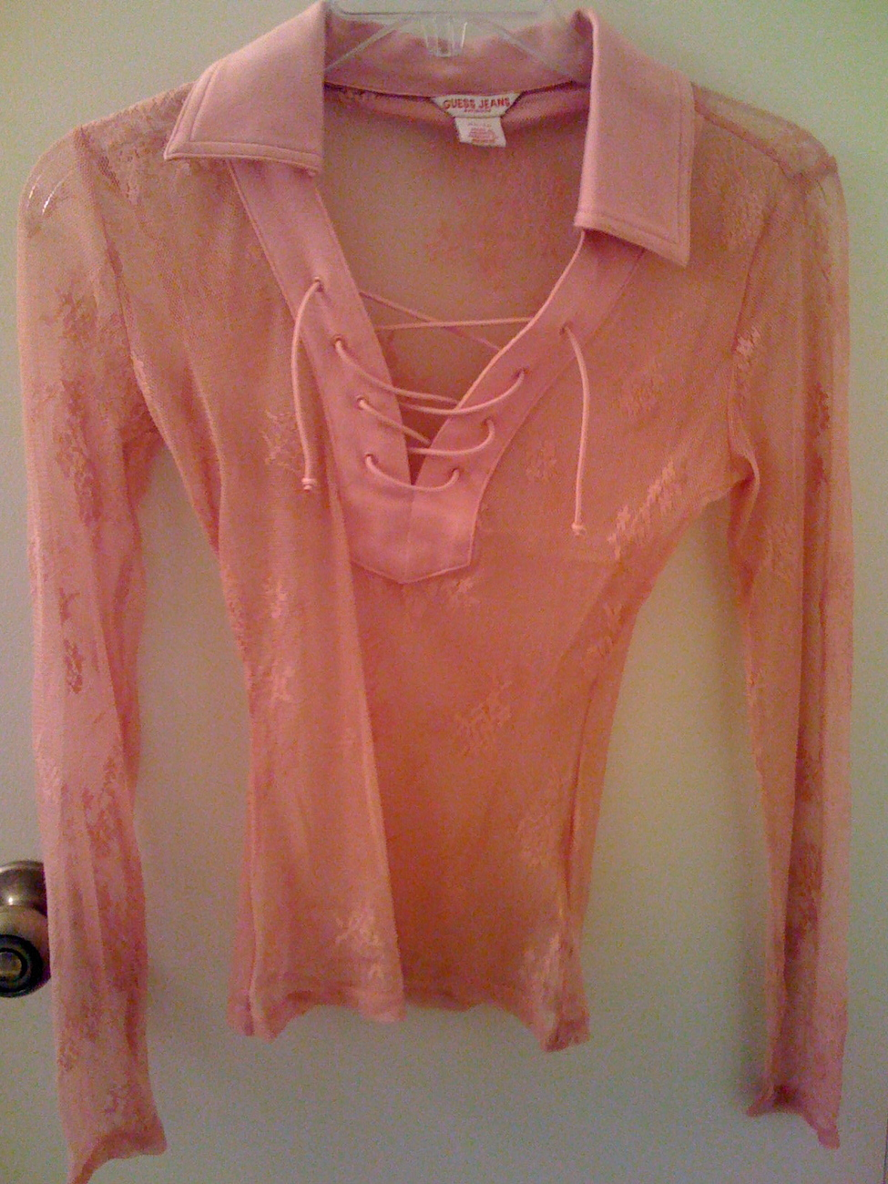Guess_jeans_coral_pink_lace_top