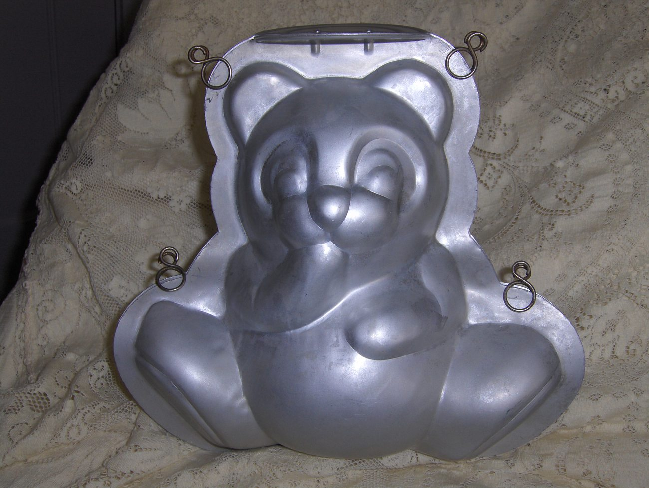 Teddy Bear Cake Pan Stand Up