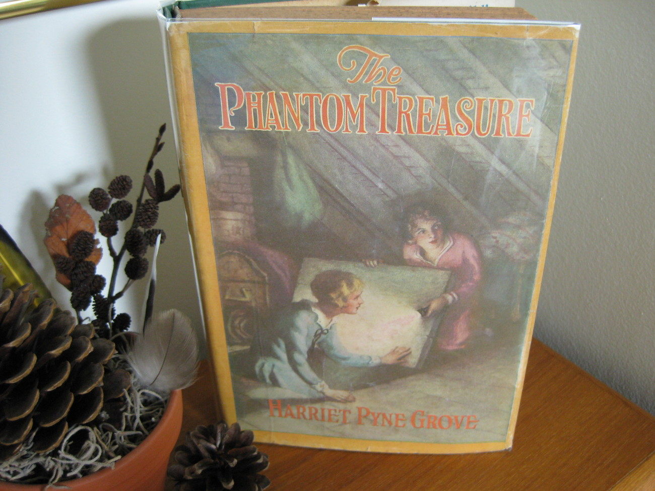 THE PHANTOM TREASURE Harriet Pyne Grove  GIRLS MYSTERY HC/DJ
