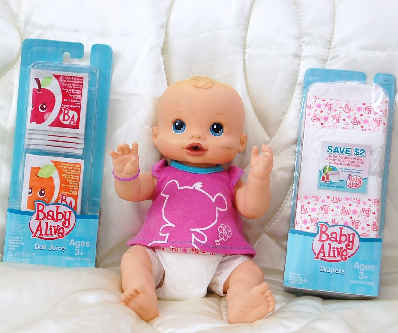 Baby Alive Interactive Doll  with Diapers and Doll Juice Hasbro 2006