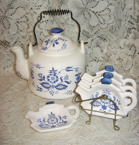 Chadwick China Teapot with Matching Teabag/Spoon Rest Plates