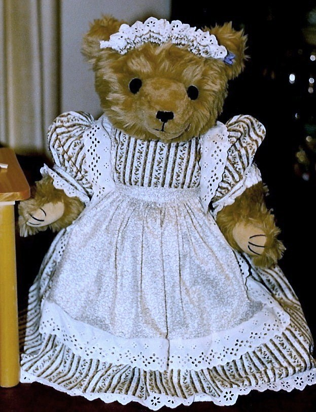Annette Funicello Bears Family Helpers Collection