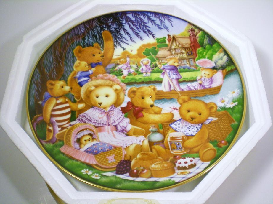 Image 2 of Teddy Bear Picnic Franklin Mint decorative plate 1991