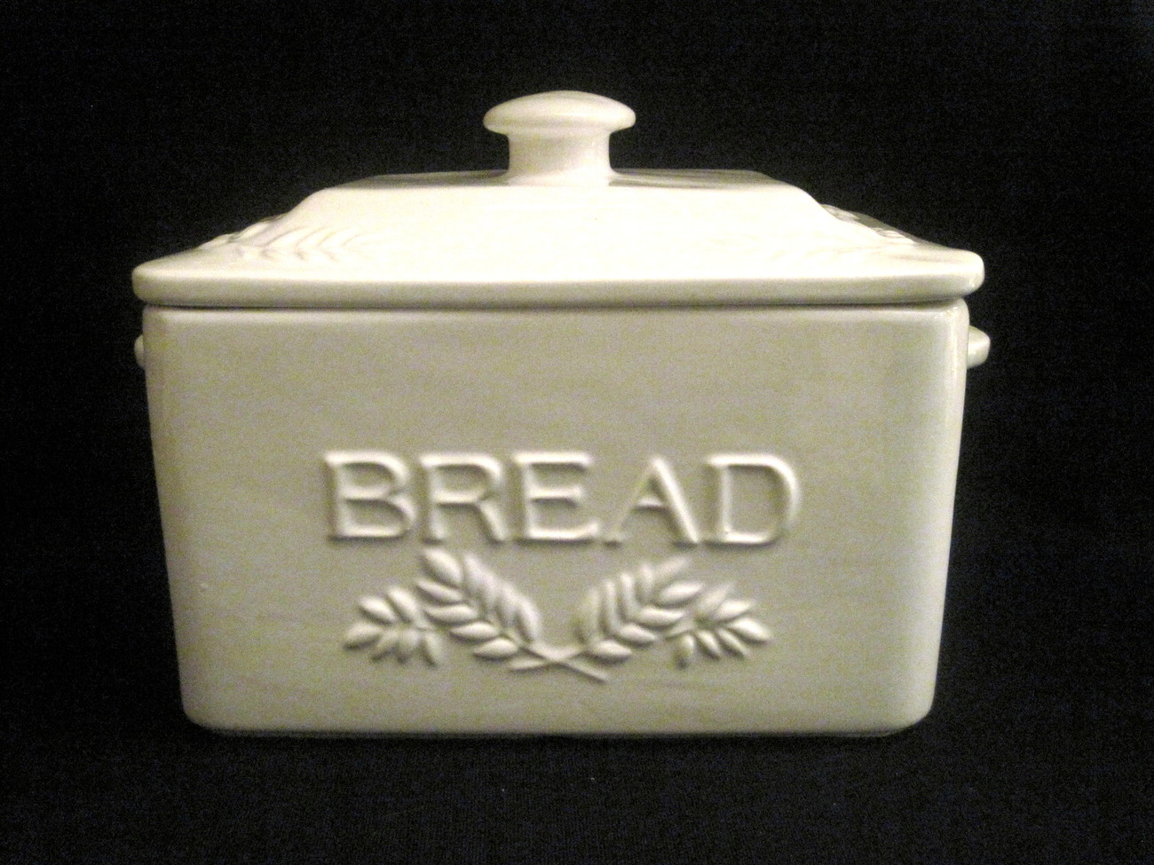 Traditional Style Ceramic Bread Box Ivory White