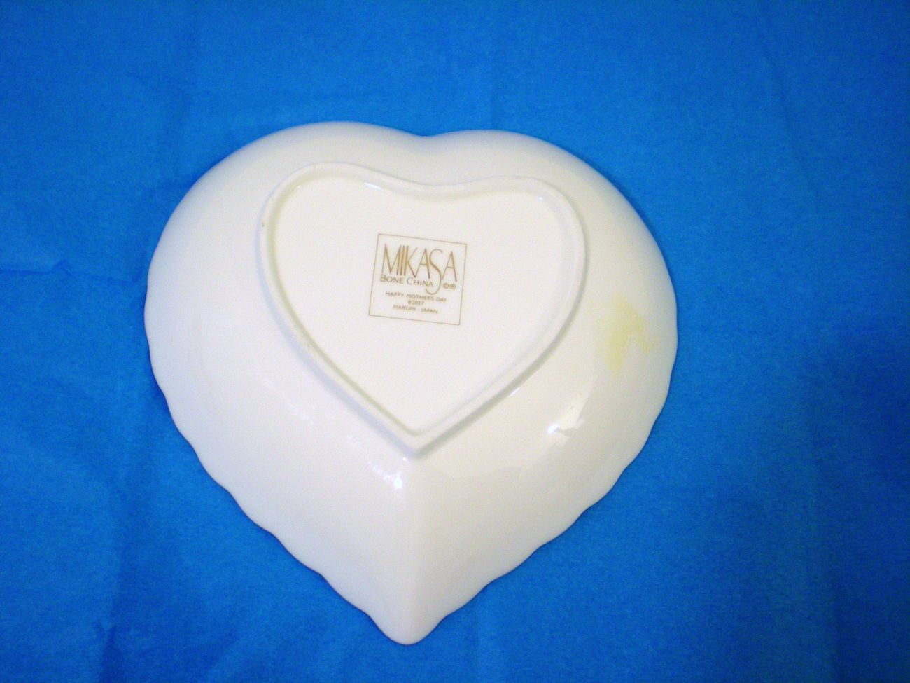 Image 1 of Happy Mothers Day Heart Shaped bone china dish by Mikasa