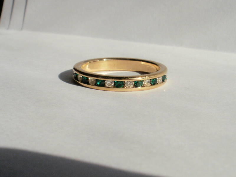 14K Gold Gep Eternity Band Ring Clear and  Green Size 7 Bonanza
