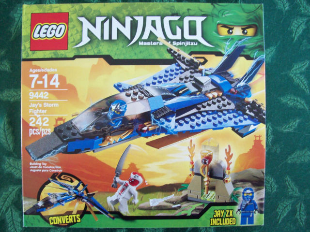 Lego Ninjago Jay's Storm Fighter 9442 New in Sealed Box Master Spinjitzu