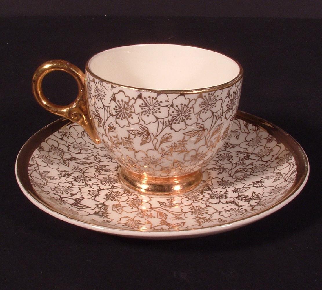 Karol_china_tea_cup___plate_01