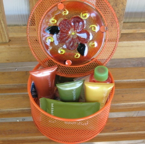 Metal Gift Basket Lotion Shampoo Conditioner Soap