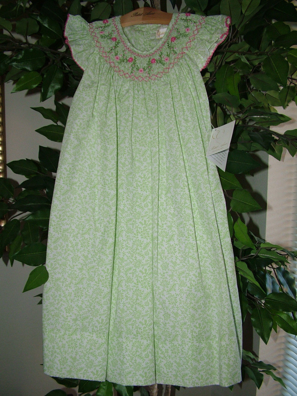 Image 3 of Posh Sweet Beautiful Angel Sleeve Green Floral Petit Ami Gold Girl Smocked Dress