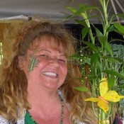 Vickie_the_bamboo_lady_-_sm_thumb175
